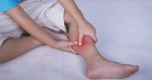 Судорога ноги ночью - причины и что делать