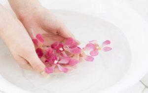 Почему чешется ладонь руки